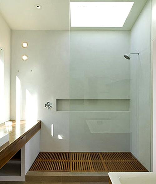 kabina prysznicowa półotwarta, bateria podtynkowa na wprost wejścia, dysk prysznicowy na ścianie