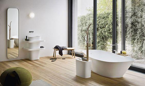 łazienka w stylu japońskim w widokiem na ogród