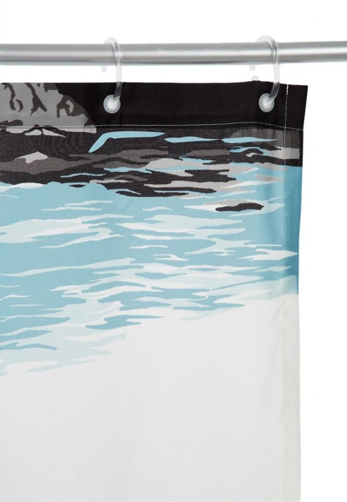 zasłona prysznicowa z nadrukiem w kolorach błękitu połączonego z szrościami i czarnym