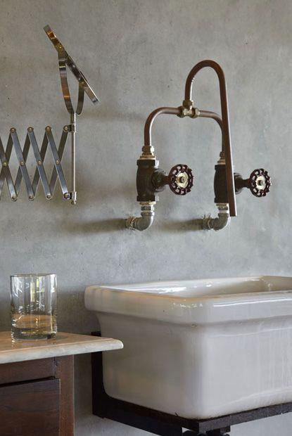 instalacja w łazience zakończona nietypowymi kurkami do wody