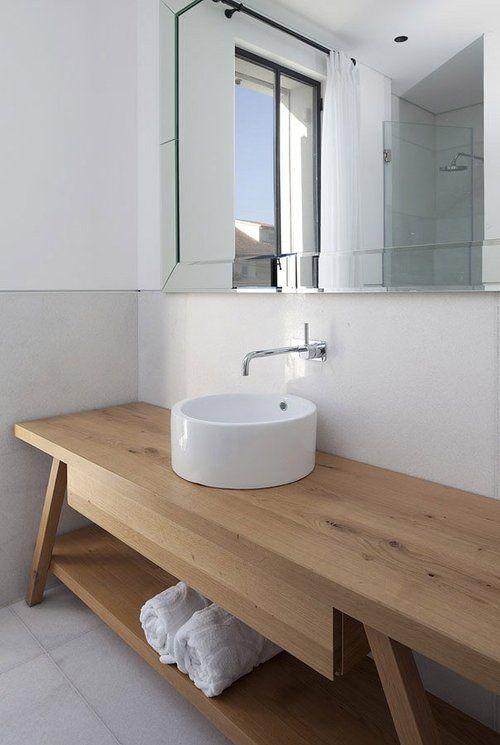 Lustro łazienkowe oryginalnie w ramie z lustra