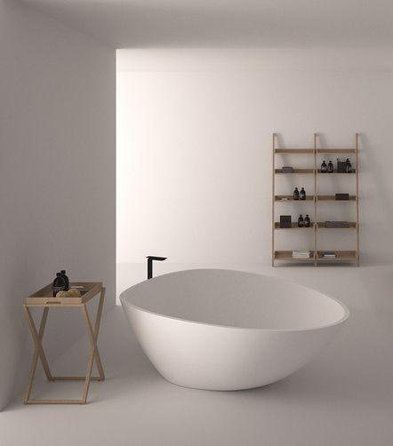 stojak z tacą zastosowany jako pomocnik łazienkowy