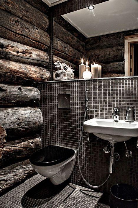 łazienka ze ścianami z bali