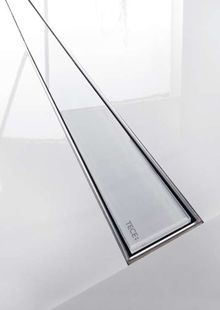 Firma Tece Drainline proponuje odpływ liniowy którego ruszt wypełniony jest szkłem