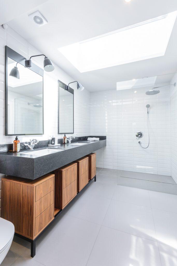 świetlik w łazience