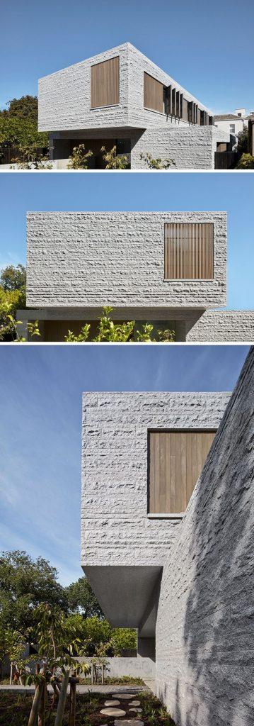 budynek z granitową elewacją